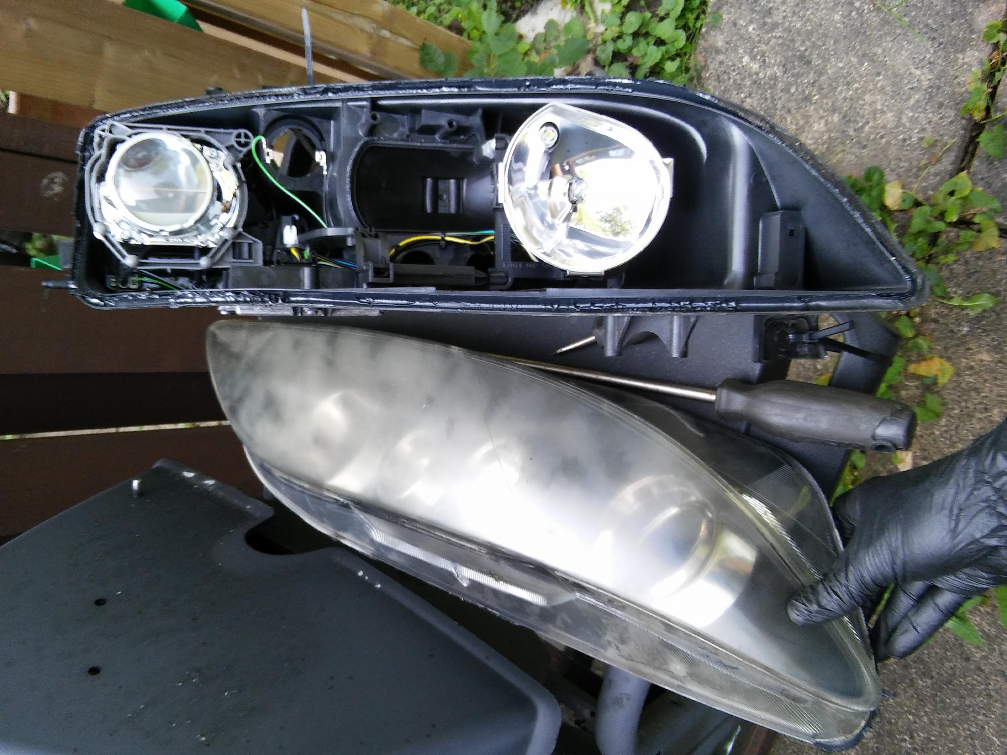 picture pic image large sedan mazda headlight pictures