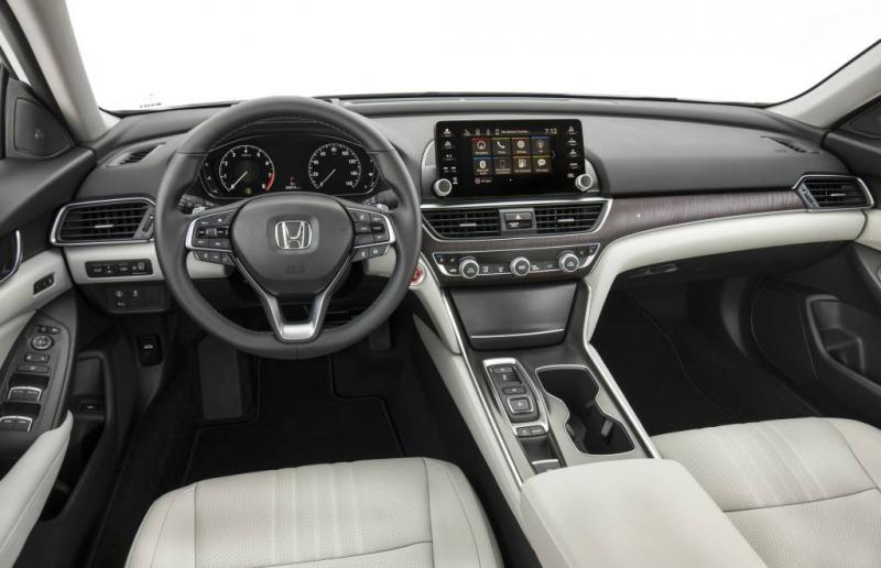 https://forum.mazda6club.com/attachments/2-5l-turbo-i-4/207801d1500086836-2018-mazda-6-getting-turbo-2018-accord-interior.jpg