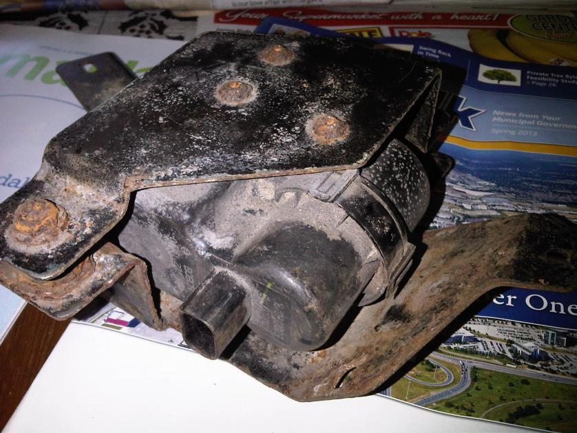 APDTY 421711 LDP Fuel Vapor Leak Detection Pump Fits 2003-2011 Mazda 5 // 2003-2008 Mazda 6 // 2007-2009 Mazda CX-7 // 2010-2011 Mazda MX-5 // 2005-2011 Mazda MX5 Miata // 2004-2011 Mazda RX-8 // 2007-2013 Volvo S60 Includes MAZDASPEED 30774518, AJ5118581A