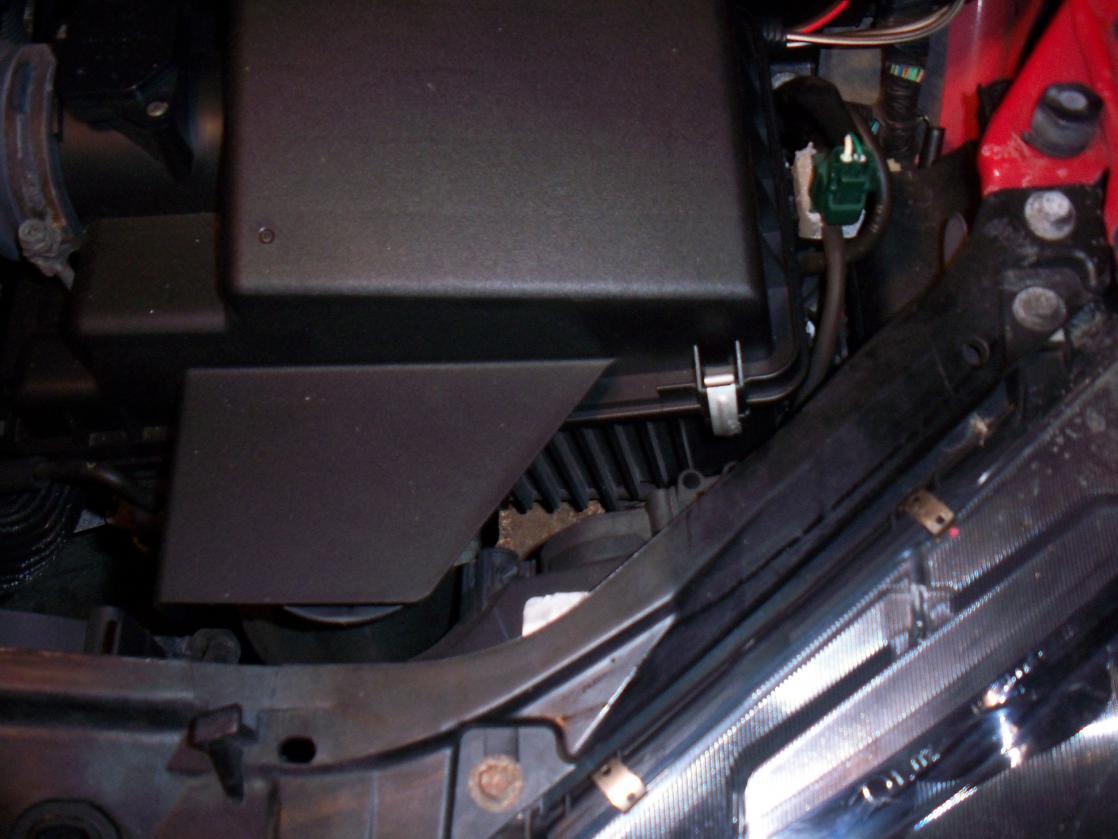 Replace headlight bulb - 2004 Mazda 6-pic2.jpg