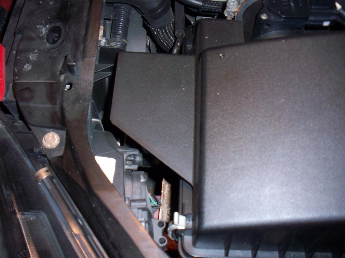 Replace headlight bulb - 2004 Mazda 6-pic4.jpg